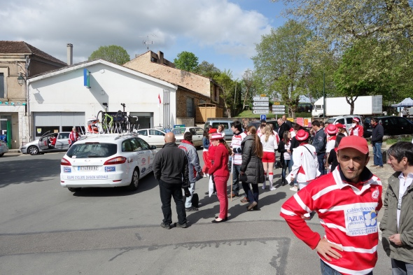 Welcome to Lacapelle-Biron, home to fanatical rugby fans.  Most of the town was gathered in their red and white colors.  I could write an entire book on the difference between American sports fans and French sports fans but this is a blog, not a book so I will spare you.