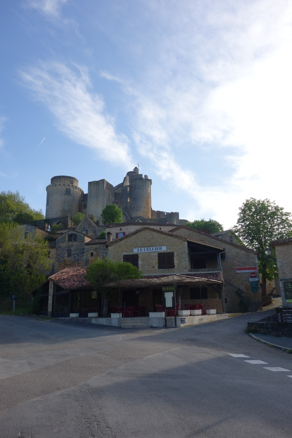 Our final walking day, Saint-Front-sur-Lemance to Puy-l'Eveque.  Our gracious host Mme. Finnegan from Le Seguinet offers to take us to the most famous castle in the region, Bonaguil Castle.