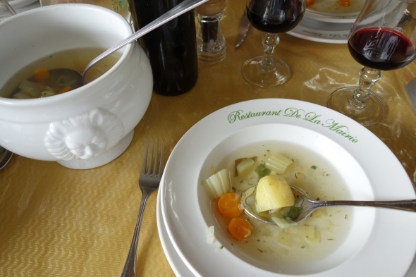 Here we go, our first French country cafe lunch.  It's a five course affair.  Soup, antipasta, pasta with meat, cheese and dessert.  All the while the wine is FLOWING.  Fixed price $13 Euro.