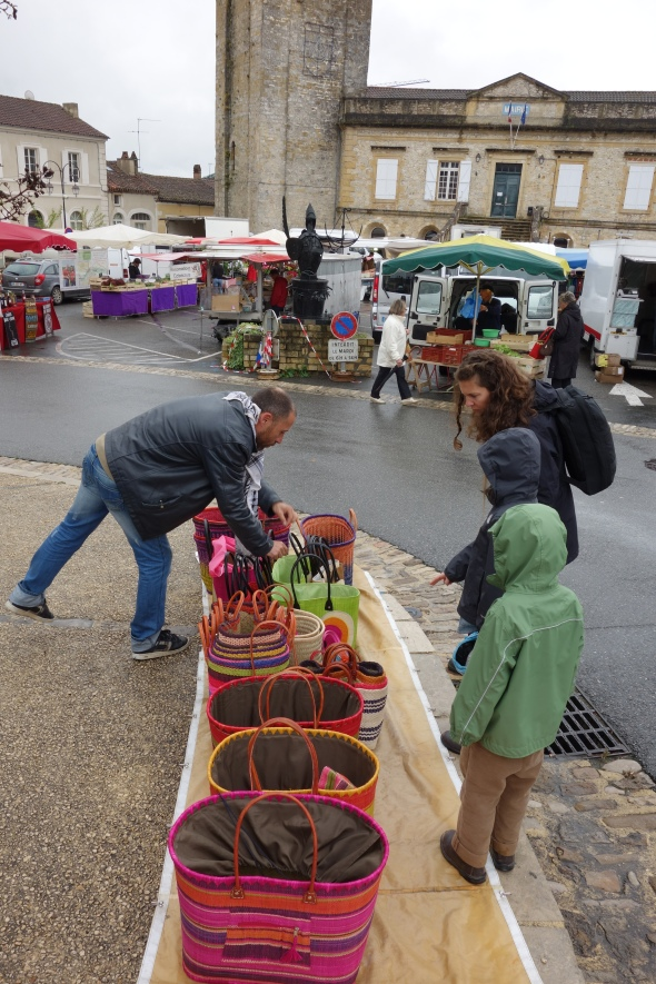 We wake up on market day in Puy L'eveque and have time for just a bit of shopping.